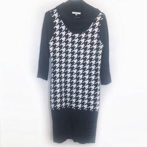 Sandra Darren Houndstooth sweater dress!